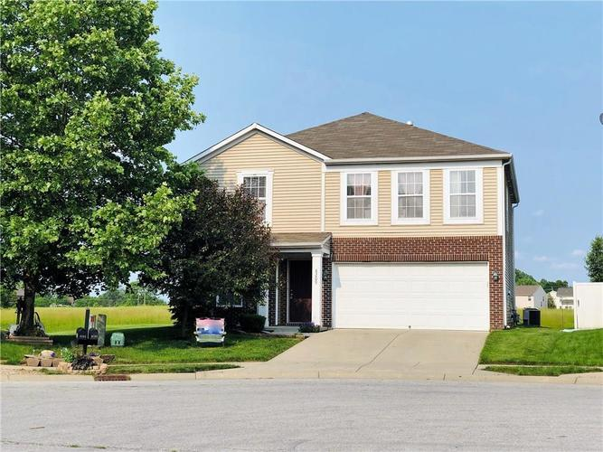 8209 OSSIAN Court Camby, IN 46113 | MLS 21639779 | photo 1