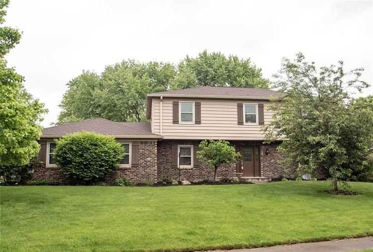 12045 Somerset Way E Carmel, IN 46033 | MLS 21639806 | photo 1