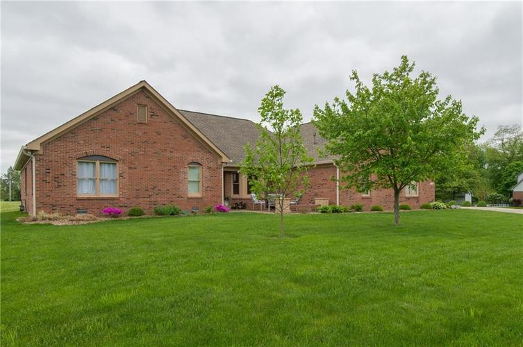 7343 DERBYSHIRE Drive Indianapolis IN 46229 | MLS 21639888 | photo 1