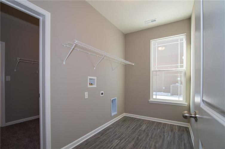 7126 Birch Leaf Drive Indianapolis IN 46259 | MLS 21639920 | photo 10