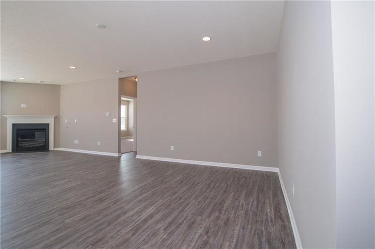 7126 Birch Leaf Drive Indianapolis IN 46259 | MLS 21639920 | photo 11