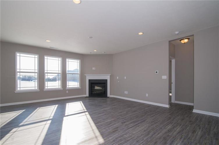 7126 Birch Leaf Drive Indianapolis IN 46259 | MLS 21639920 | photo 12