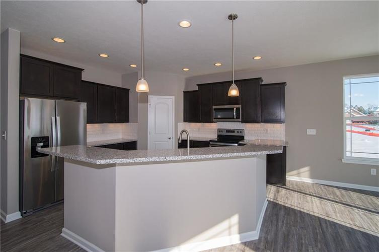 7126 Birch Leaf Drive Indianapolis IN 46259 | MLS 21639920 | photo 15