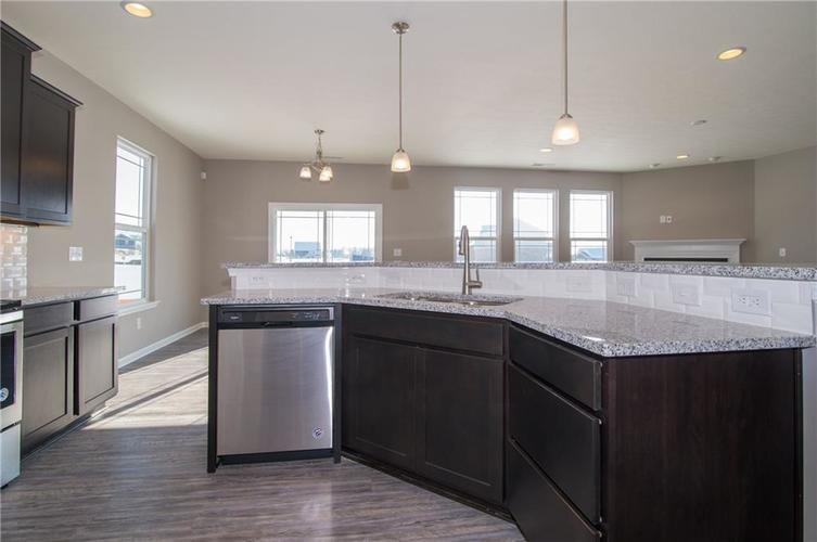 7126 Birch Leaf Drive Indianapolis IN 46259 | MLS 21639920 | photo 18