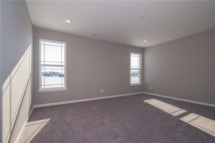 7126 Birch Leaf Drive Indianapolis IN 46259 | MLS 21639920 | photo 20