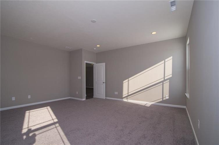 7126 Birch Leaf Drive Indianapolis IN 46259 | MLS 21639920 | photo 22