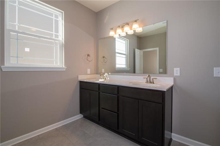 7126 Birch Leaf Drive Indianapolis IN 46259 | MLS 21639920 | photo 24