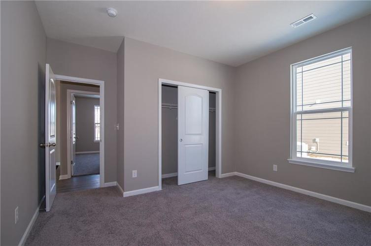 7126 Birch Leaf Drive Indianapolis IN 46259 | MLS 21639920 | photo 7