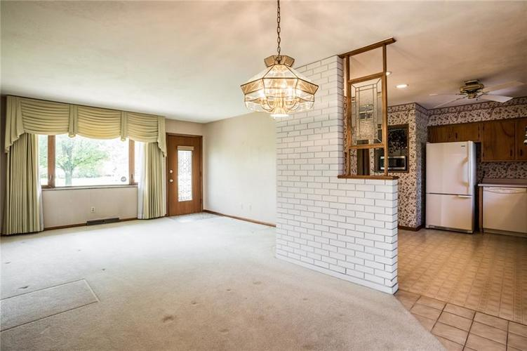 1344 S Post Road Indianapolis, IN 46239 | MLS 21640000 | photo 4
