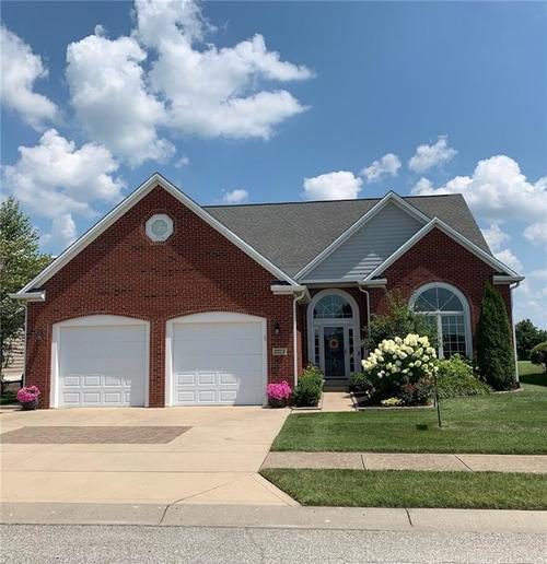 2213 SOMERSET Drive Franklin IN 46131 | MLS 21640014 | photo 1
