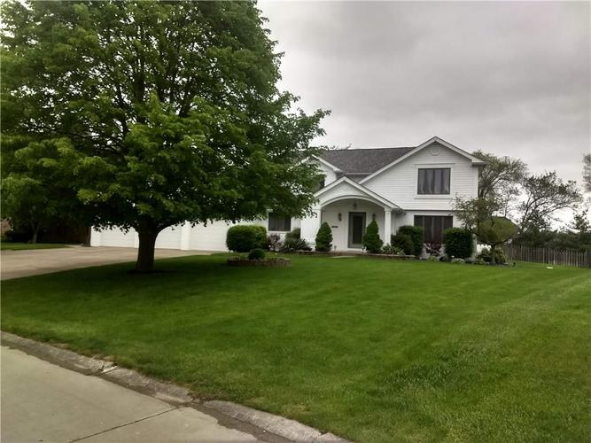 4510  GOLFVIEW Drive Anderson, IN 46011 | MLS 21640175