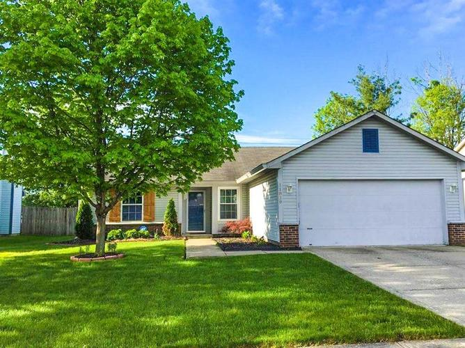 11839  TAPP Drive Indianapolis, IN 46229   MLS 21640192