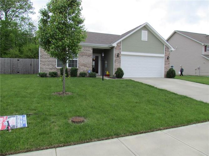2610 Harshaw Court Indianapolis, IN 46239 | MLS 21640195 | photo 2