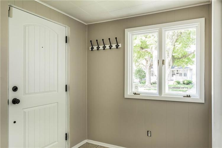 6157 HAVERFORD Avenue Indianapolis, IN 46220 | MLS 21640224 | photo 5