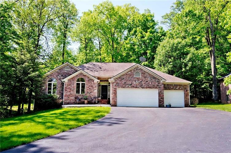 2985 N Country Club Court Martinsville, IN 46151 | MLS 21640264 | photo 1