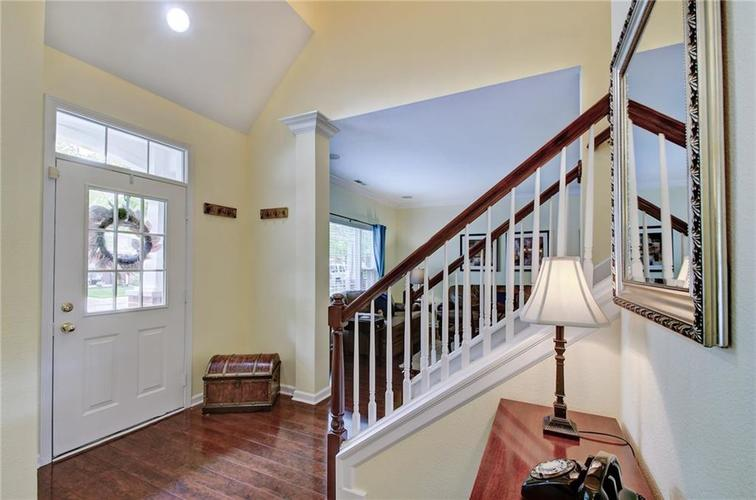 722 Charlotte Place Westfield, IN 46074 | MLS 21640286 | photo 4