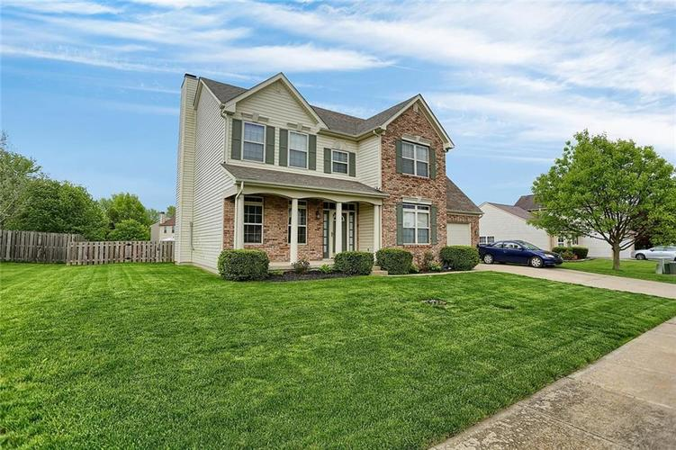 1945 MayApple Drive Avon, IN 46123 | MLS 21640341 | photo 1