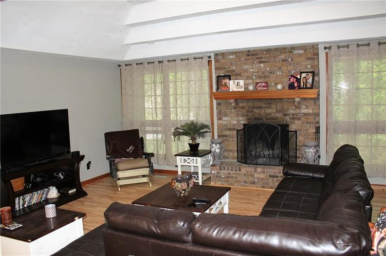 8465 Campbell Court Mooresville, IN 46158   MLS 21640354   photo 4