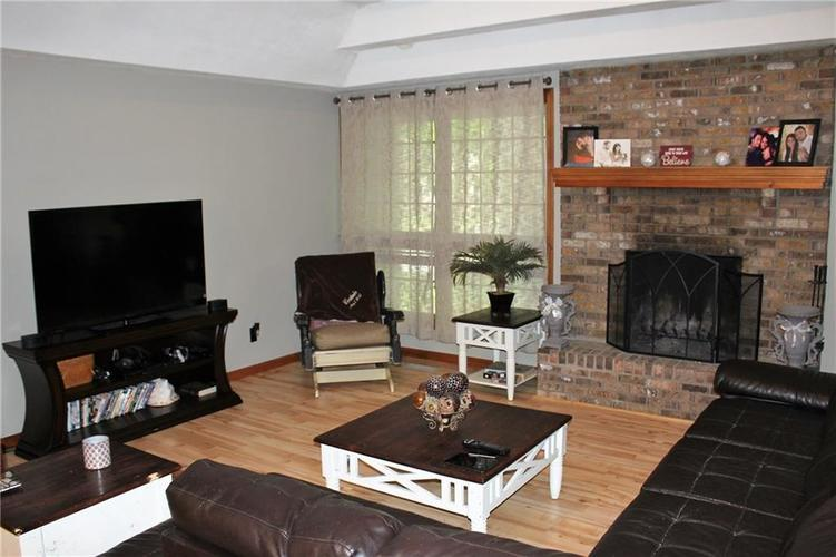 8465 Campbell Court Mooresville, IN 46158   MLS 21640354   photo 5