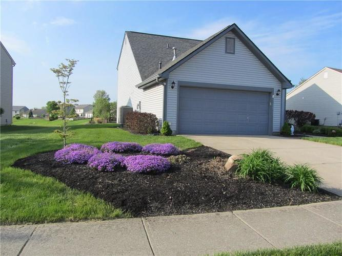 10189 Buell Drive Avon, IN 46123 | MLS 21640420 | photo 2