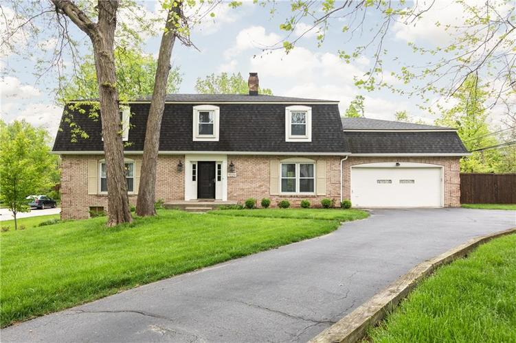 7029 E 65th Street Indianapolis, IN 46256 | MLS 21640472 | photo 1