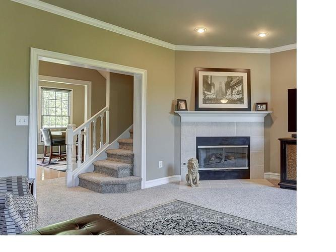 4324 Heyward Place Indianapolis, IN 46250 | MLS 21640624 | photo 3