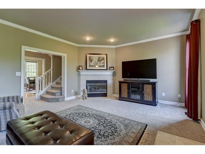 4324 Heyward Place Indianapolis, IN 46250 | MLS 21640624 | photo 4