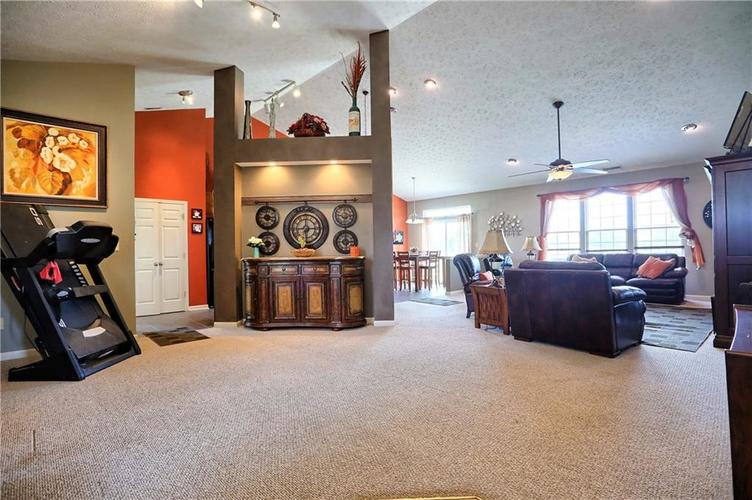 2431 Cole Wood Court Indianapolis, IN 46239 | MLS 21640647 | photo 5