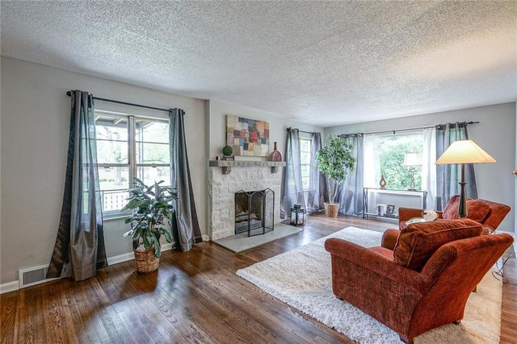 9328 Broadway Street Indianapolis, IN 46240 | MLS 21640688 | photo 4