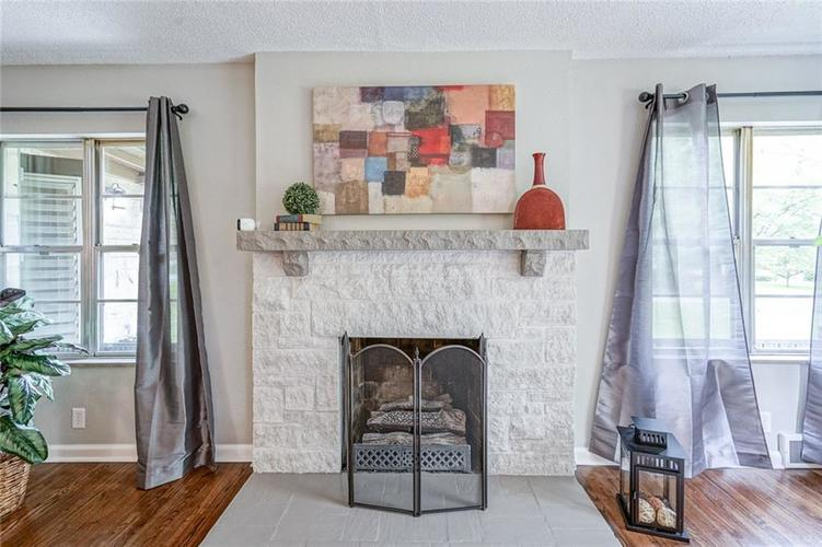 9328 Broadway Street Indianapolis, IN 46240 | MLS 21640688 | photo 5
