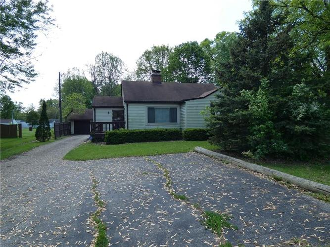 8105 E 10th Street Indianapolis, IN 46219 | MLS 21640837 | photo 1