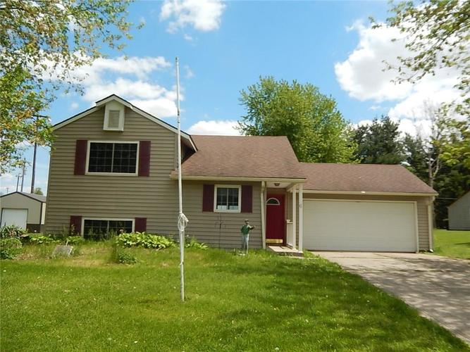 6 Academy Place Darlington, IN 47940 | MLS 21640951 | photo 1