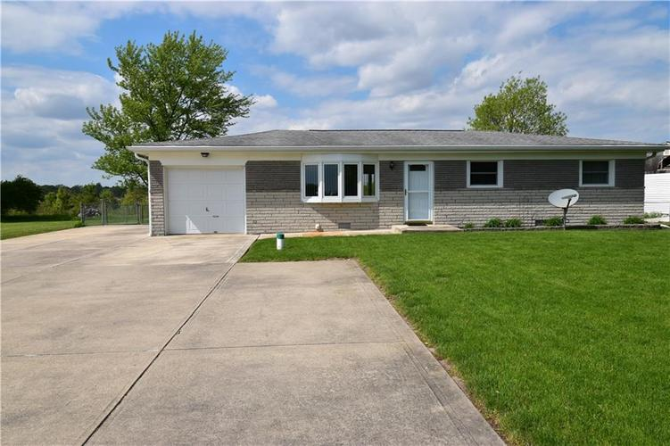 14050 State Road 32 E Noblesville, IN 46060 | MLS 21641087 | photo 1