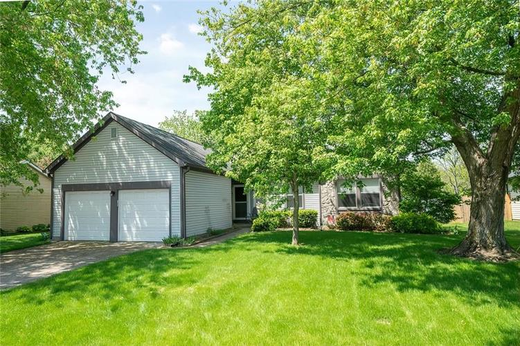 9552 FALKIRK Drive Indianapolis, IN 46256 | MLS 21641134 | photo 1