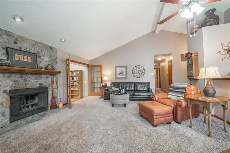 9552 FALKIRK Drive Indianapolis, IN 46256 | MLS 21641134 | photo 3