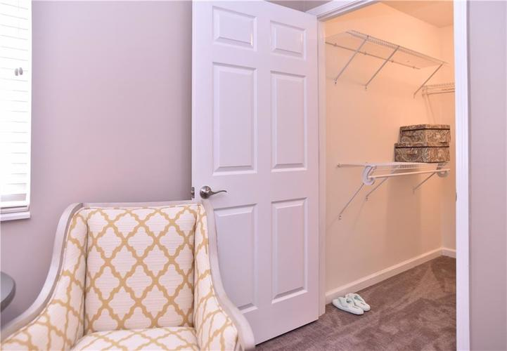 2150 Ashford Place Shelbyville, IN 46176 | MLS 21641204 | photo 2