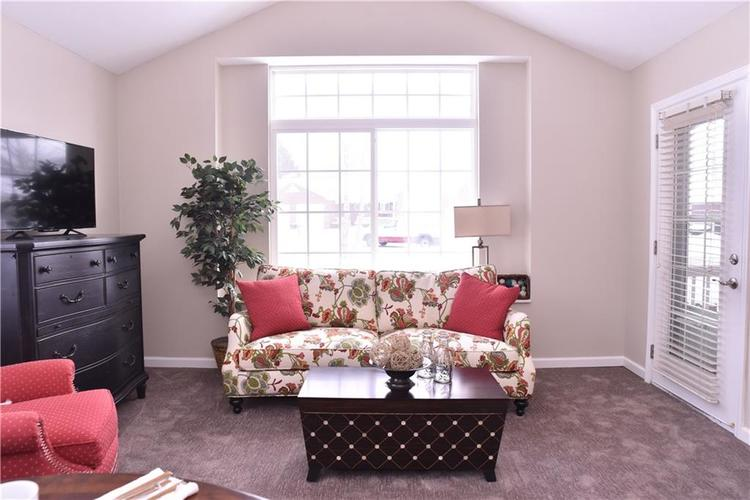 2156 Ashford Place Shelbyville, IN 46176 | MLS 21641210 | photo 4