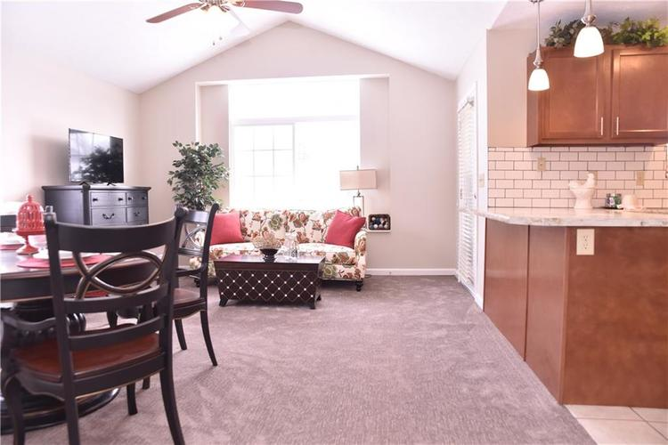 2156 Ashford Place Shelbyville, IN 46176 | MLS 21641210 | photo 6