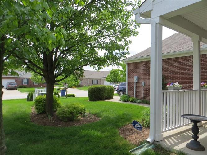 10640 Pine Valley Path Indianapolis, IN 46234 | MLS 21641358 | photo 2