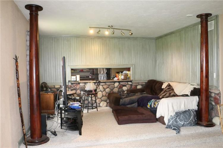 9554 N County Road 800 Daleville, IN 47334 | MLS 21641399 | photo 12