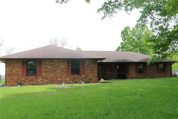9554 N County Road 800 Daleville, IN 47334   MLS 21641399   photo 2