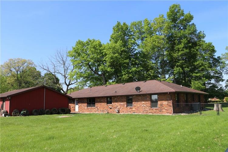 9554 N County Road 800 Daleville, IN 47334   MLS 21641399   photo 5