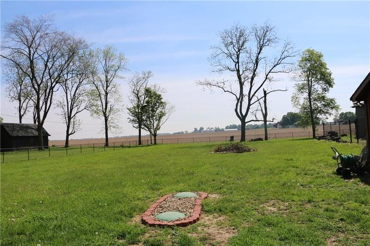 9554 N County Road 800 Daleville, IN 47334 | MLS 21641399 | photo 7