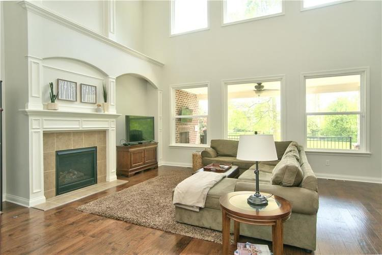 2833 E High Grove Circle Zionsville, IN 46077 | MLS 21641451 | photo 5