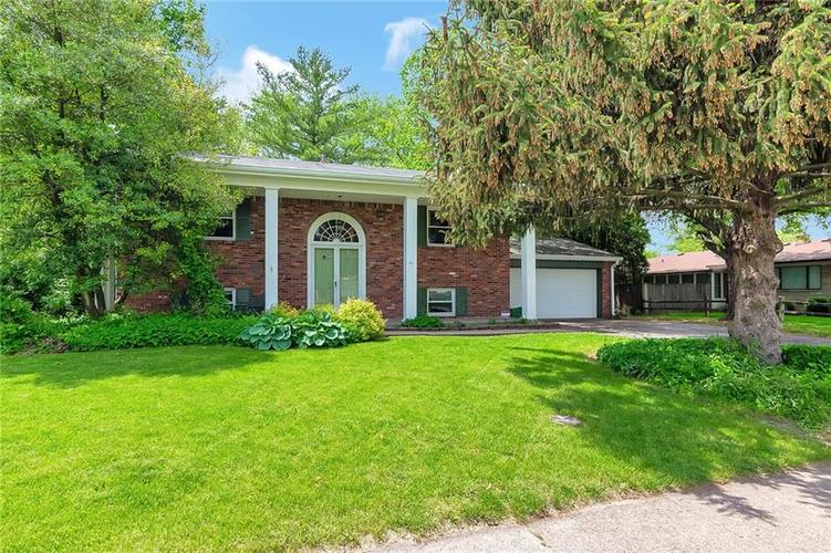1252 N GOLDENROD Drive Indianapolis, IN 46219 | MLS 21641561 | photo 1