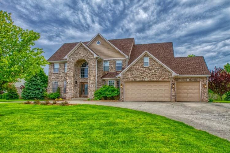 1363 N Winchester Drive Greenfield, IN 46140 | MLS 21641734