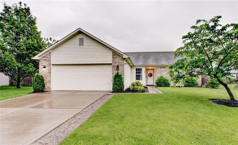 463  Youngs Creek Court Franklin, IN 46131 | MLS 21641769