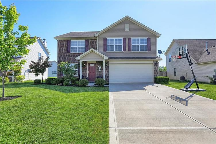 1611 Whisler Drive Greenfield, IN 46140 | MLS 21641985 | photo 1