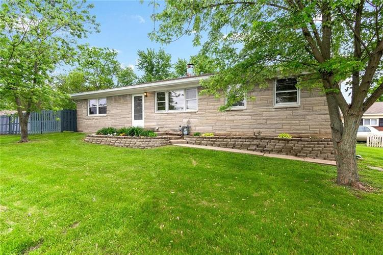 8415 E 10TH Street Indianapolis, IN 46219 | MLS 21641998