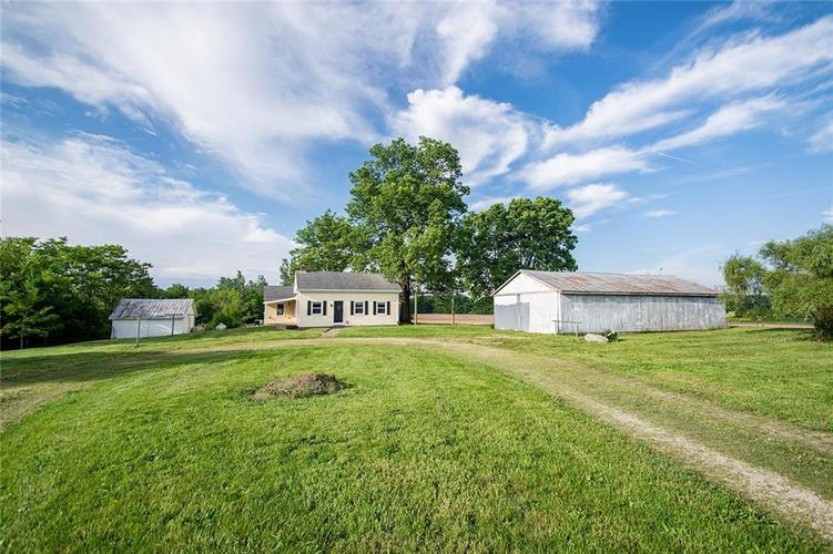 3523 E County Road 300 N  New Castle, IN 47362 | MLS 21642010